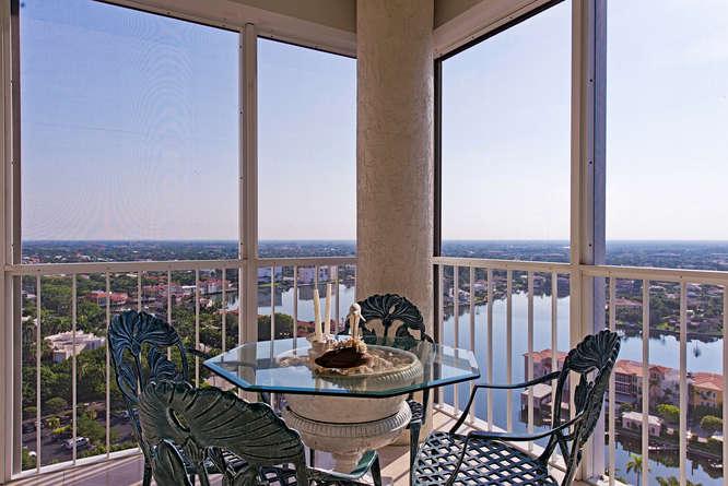 3991 Gulf Shore Blvd N Naples-small-006-Bayfront Lanai-666x445-72dpi