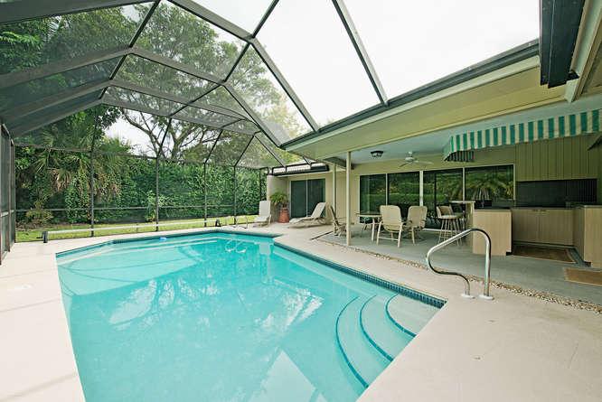 757 Park Shore Drive Naples FL-small-012-lanai-666x445-72dpi