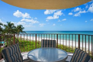3115-gulf-shore-blvd-n-205s-small-001-9-balcony-666x445-72dpi